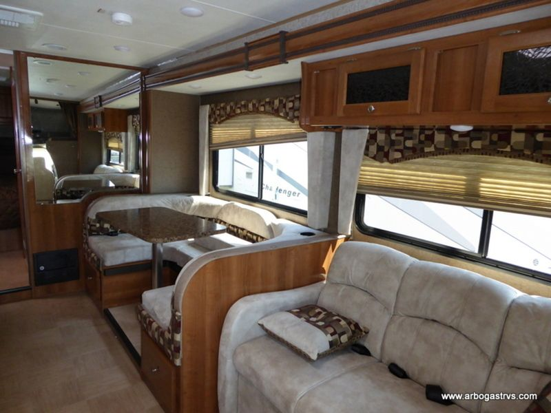 Travel In Comfort In The 017 Coachmen Leprechaun 260ds Coachmen