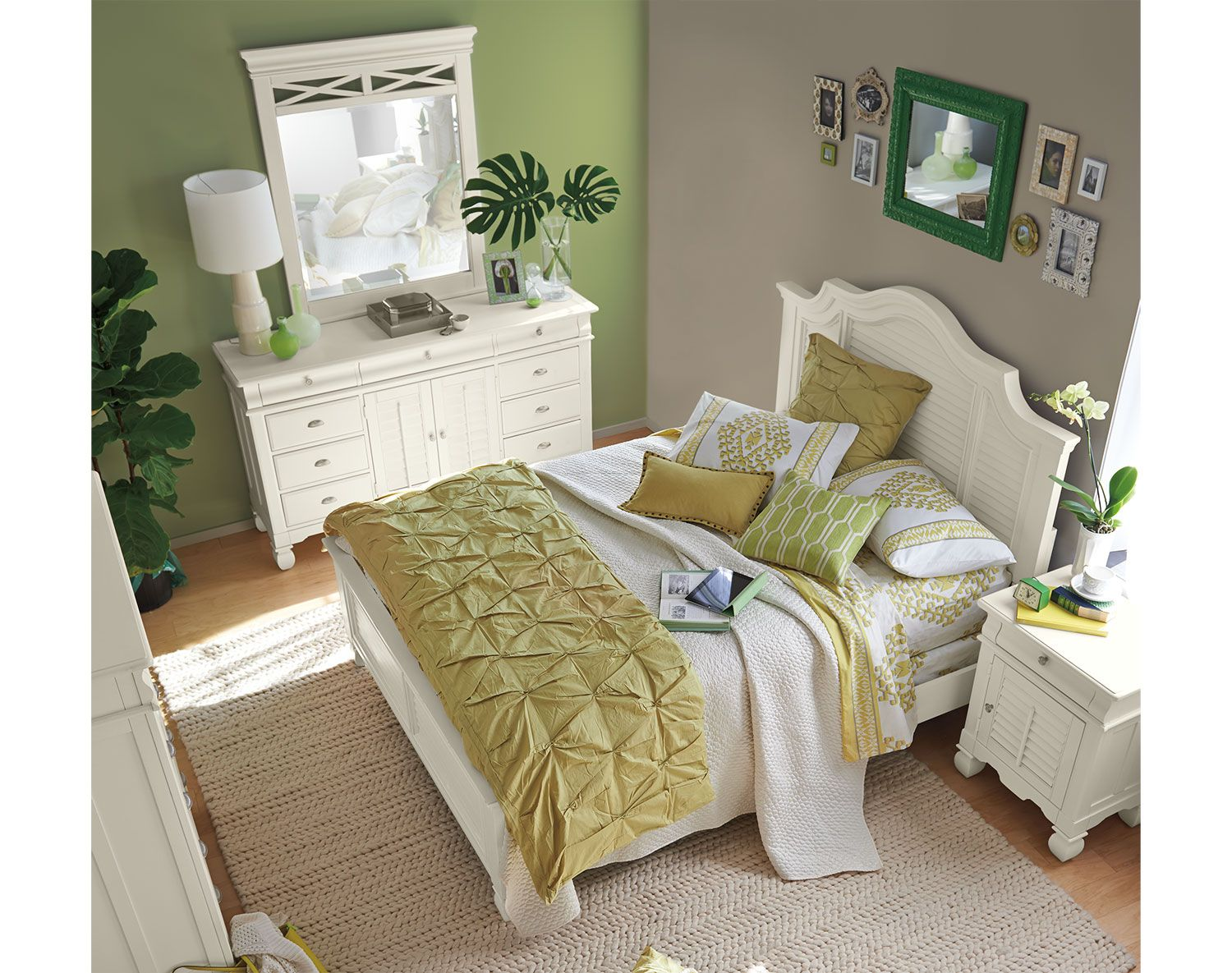 Great Plantation Cove White Panel Bedroom Collection   Value City Furniture