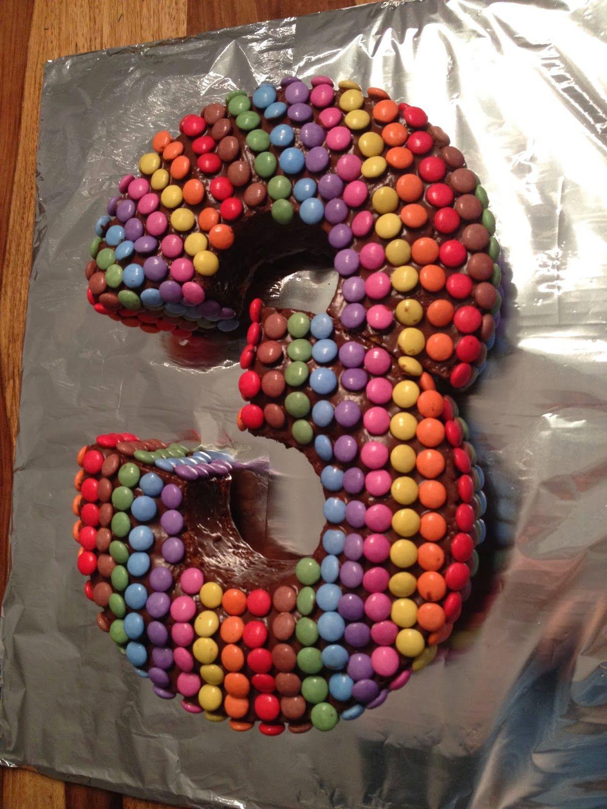 3 Geburtstag Geburtstagskuchen Drei Mit Smarties Einfach Kuchen