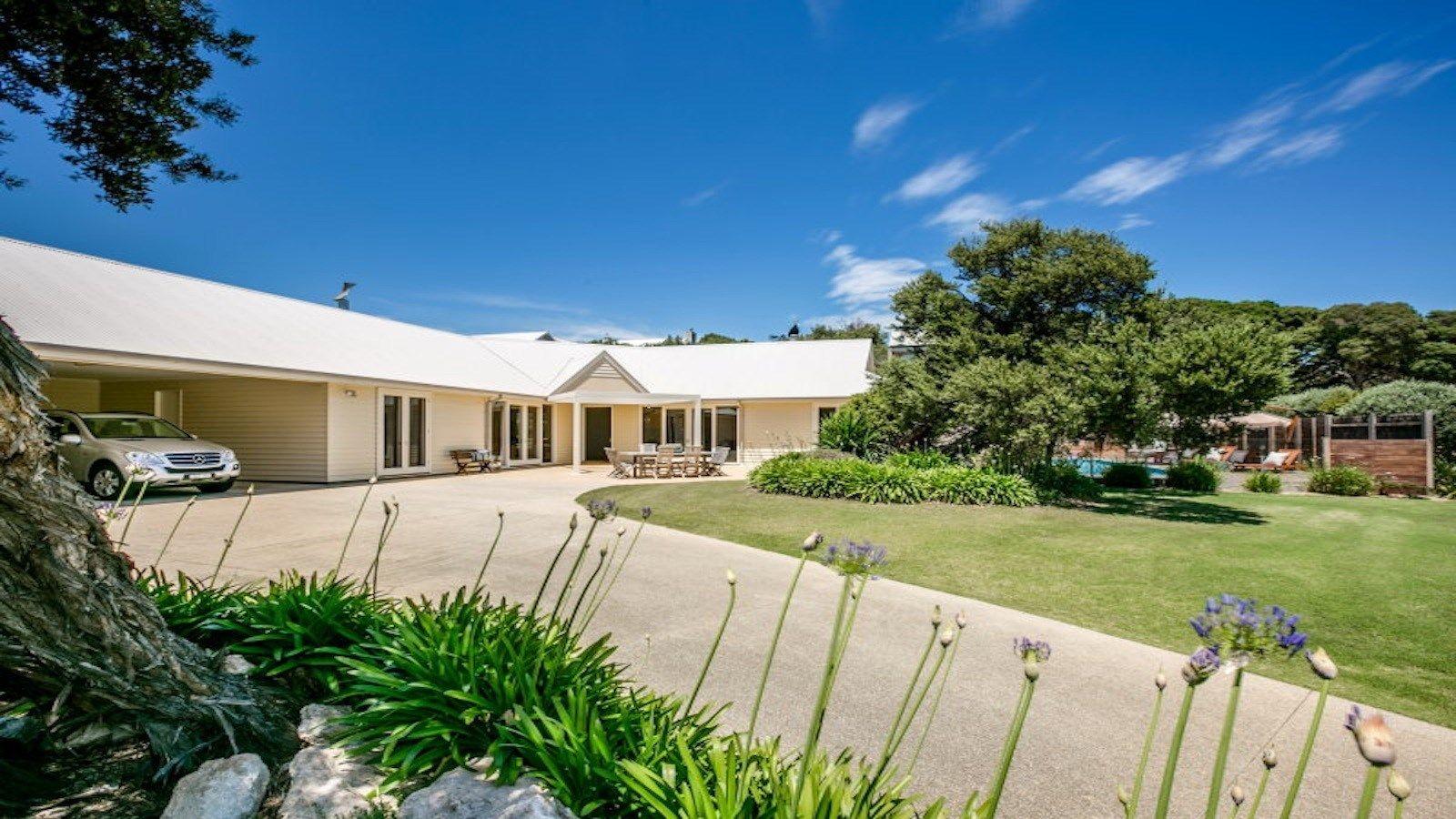 Excellent 11 Stonecutters Road Portsea Melbourne Victoria Australia Home Interior And Landscaping Ponolsignezvosmurscom