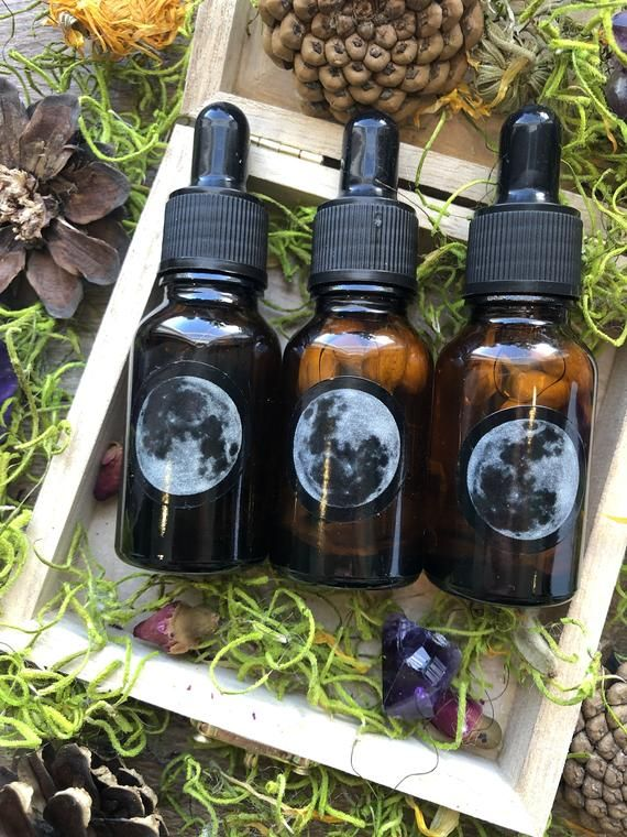 NEW MOON Ritual Oil, Essential Oil Blends, Anointing Oil, Essentail Oils, Moon Oil, Ritual Oil, Alter Tools, Wicca, Witchcraft Tools, oils #newmoonritual