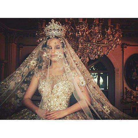 Queen style Photo @juxhinkurti Wedding gown @frida_xhoi Model @endidemneri  #luxurybride ...