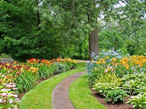 Detalles para decorar los senderos del jard n jard n for Detalles para decorar jardines