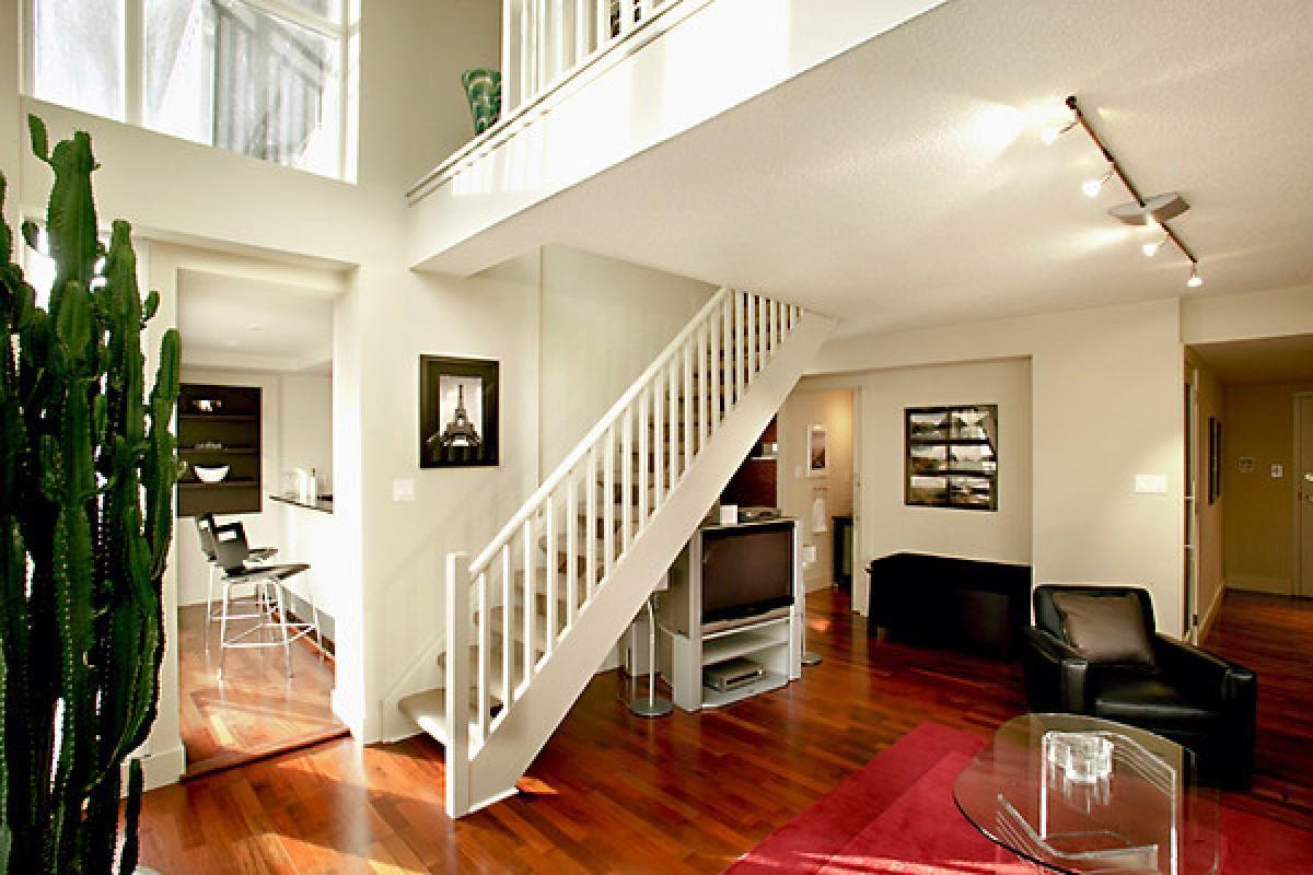 Toronto Luxury Rentals Spectacular Yorkville Condo