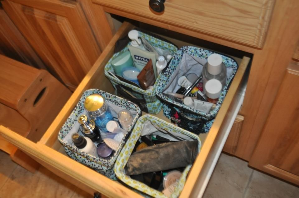 great way to organize the bathroom drawer with the Littles Carry All Caddy!