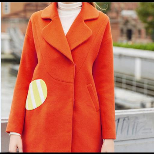 معطف نسائي شتوي بأزرة أمامية معطف سادة بكتابة سوداء في الظهر معطف برتقالي اللون بأكمام طويلة وعريضة معطف بتصميم مميز يس Orange Coat Coat Fashion
