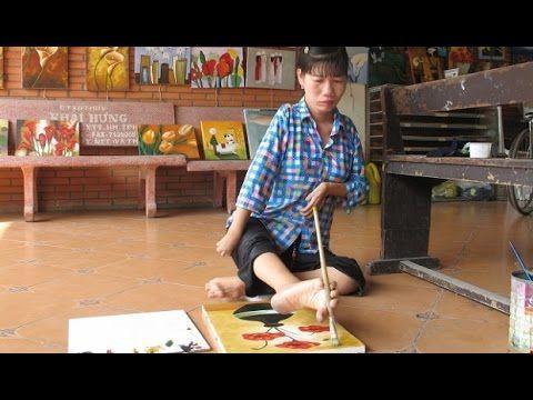 Vẽ tranh bằng chân - Nhân vật Huỳnh Thị Xậm | Yêu Thương Cuộc Sống