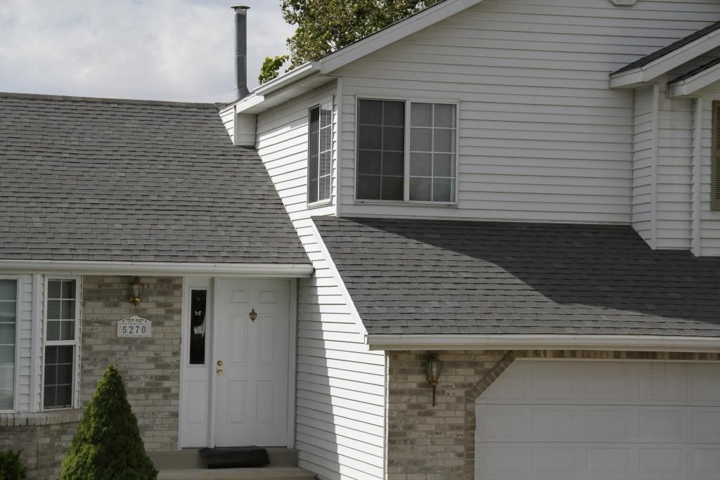 Pabco Premier In Driftwood Laminated Fiberglass Shingles Beauty Image Gallery Pabco Roofing Products Asphalts Fiberglass Shingles Roofing Roof Shingles