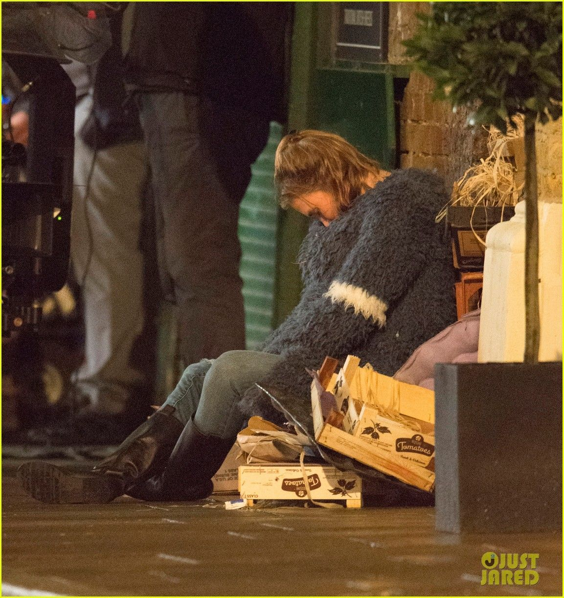 Renee Zellweger on the set of Bridget Jones's Baby in London, England on Tuesday (October 13, 2015) #bridgetjonesdiaryandbaby Renee Zellweger on the set of Bridget Jones's Baby in London, England on Tuesday (October 13, 2015) #bridgetjonesdiaryandbaby