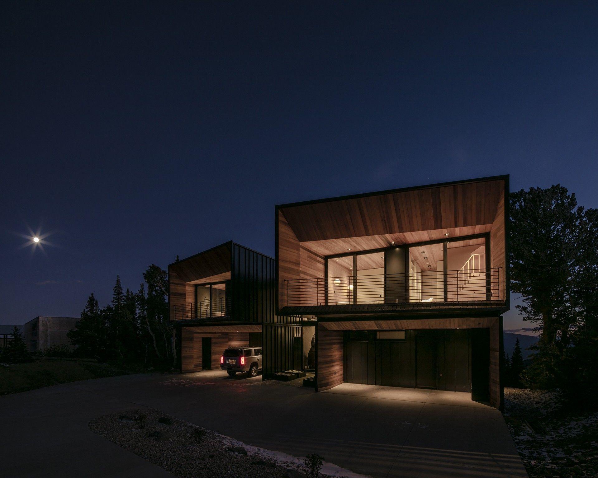 The Kinii The Falcon S Nest By The Italian Architects Of Obicua Nel 2020