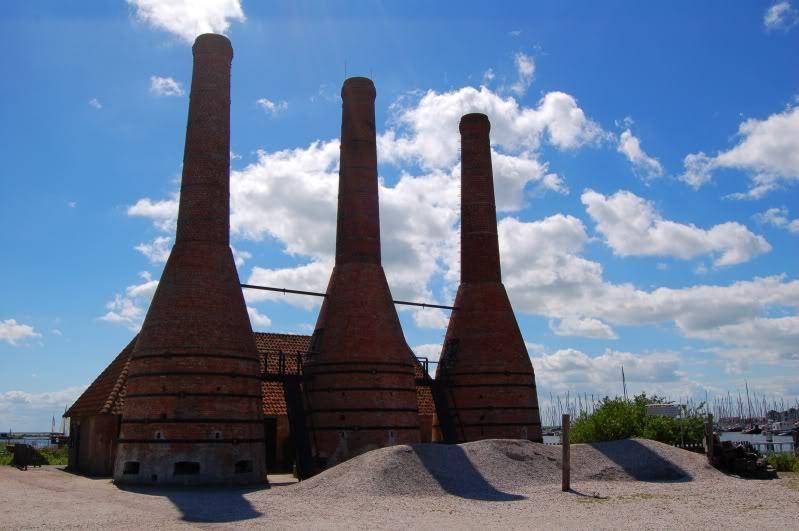 Zuiderzee-museum - Kalkovens waarin schelpen worden verbrand om mortel van te maken.