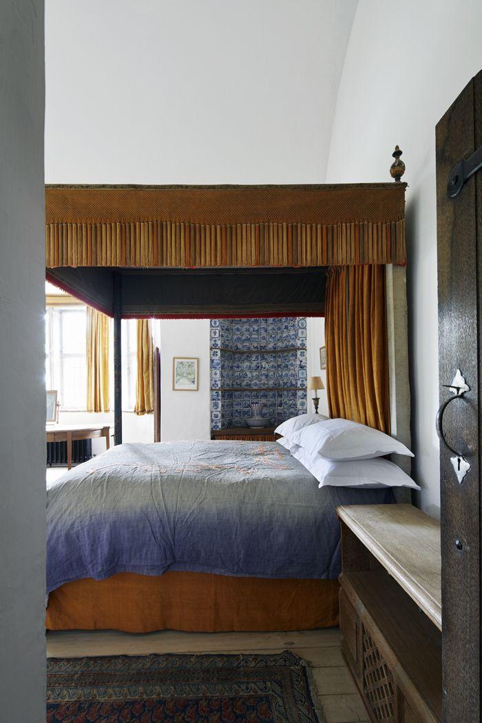 Un château sur une île en Irlande Bedrooms, Cozy and Interiors