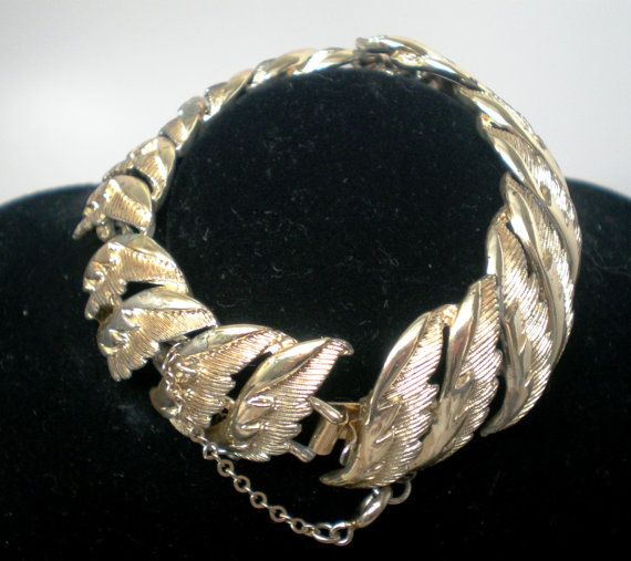 Vintage Bracelet Coro Signed Bright Gold Feather by BagsnBling, $5.50