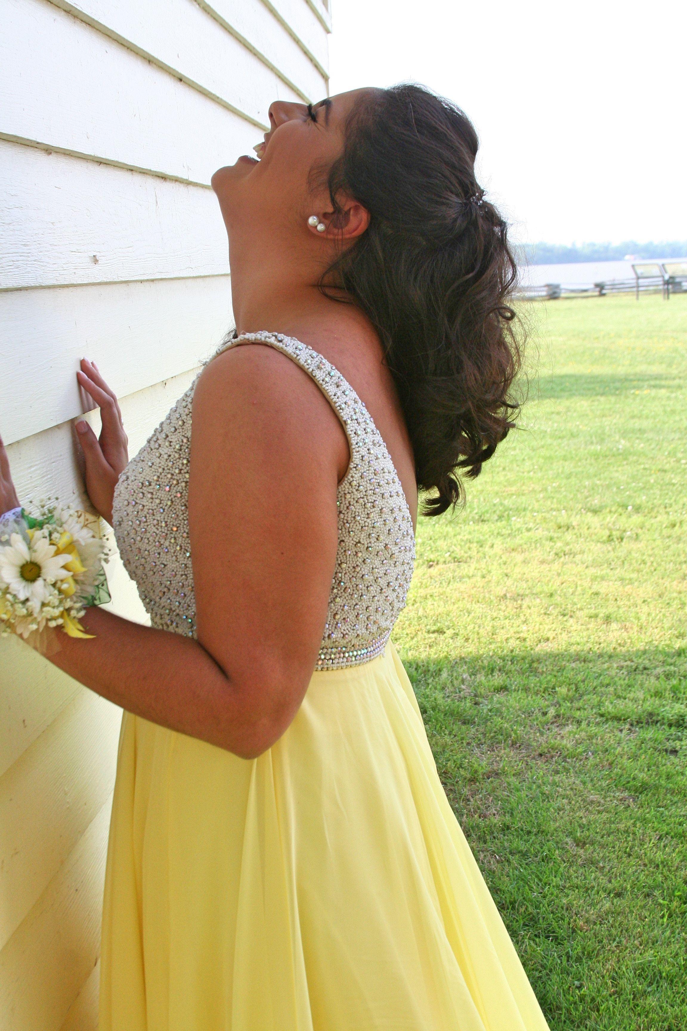 Pin by Peyton on Senior Prom   Backless dress formal ...