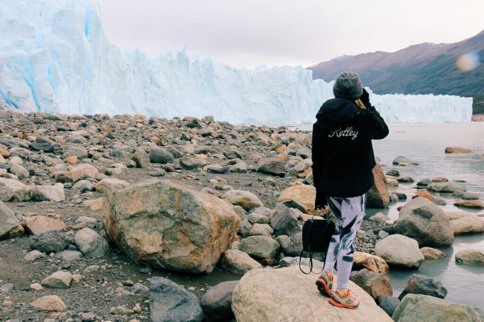 fashion, patagonia, south america, hike, leggings, yoga, adventure, nature, beauty, mountains, winter, vacation,  blogger, fashion blogger, tourism, travel, travelwriter, passportready, travel blogger, wanderlust, ilovetravel, write to travel, travel photography, beauty, tourist, solo travel, world captures, world places, traveler. travel deeper, wanderer, travel blog, visiting, travel pics, trip, travel the world, rag and bone, argentina, glacier, perito moreno