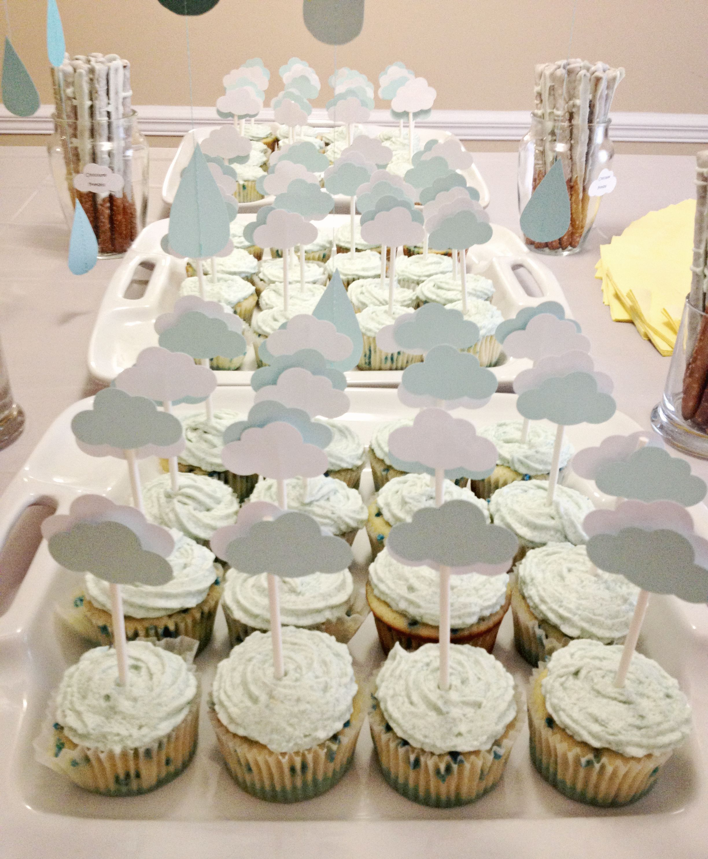 Rain Cloud Theme Baby Shower. Made cupcakes with raindrops and ...