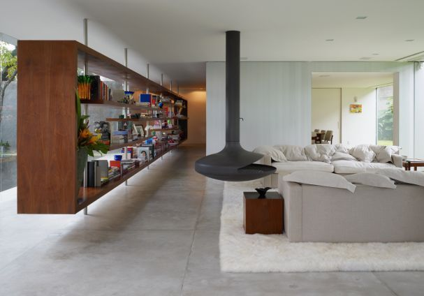 Contemporary And Exotic Villa Design In Sao Paulo By Isay Weinfeld : Modern  And Exotic Villa Design With White Living Room Wall Hanging Cabinet  Fireplace ...