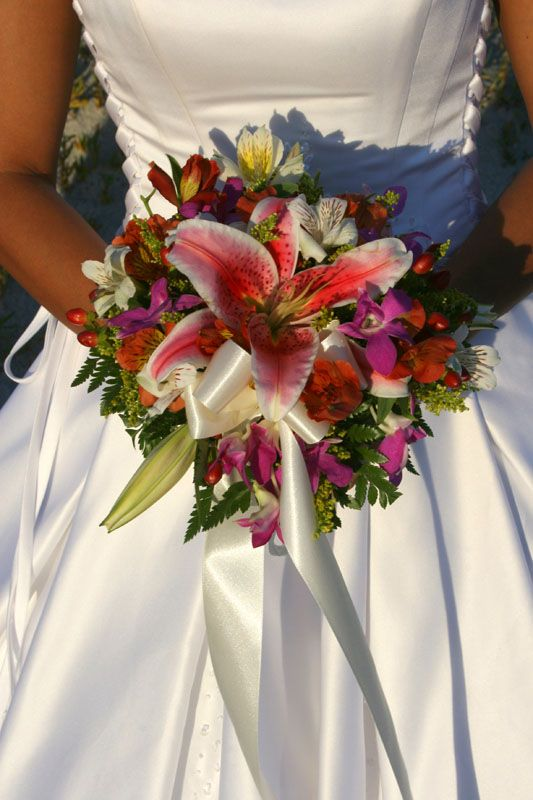 tropical wedding flowers - Google Search | Tropical Bouquets ...
