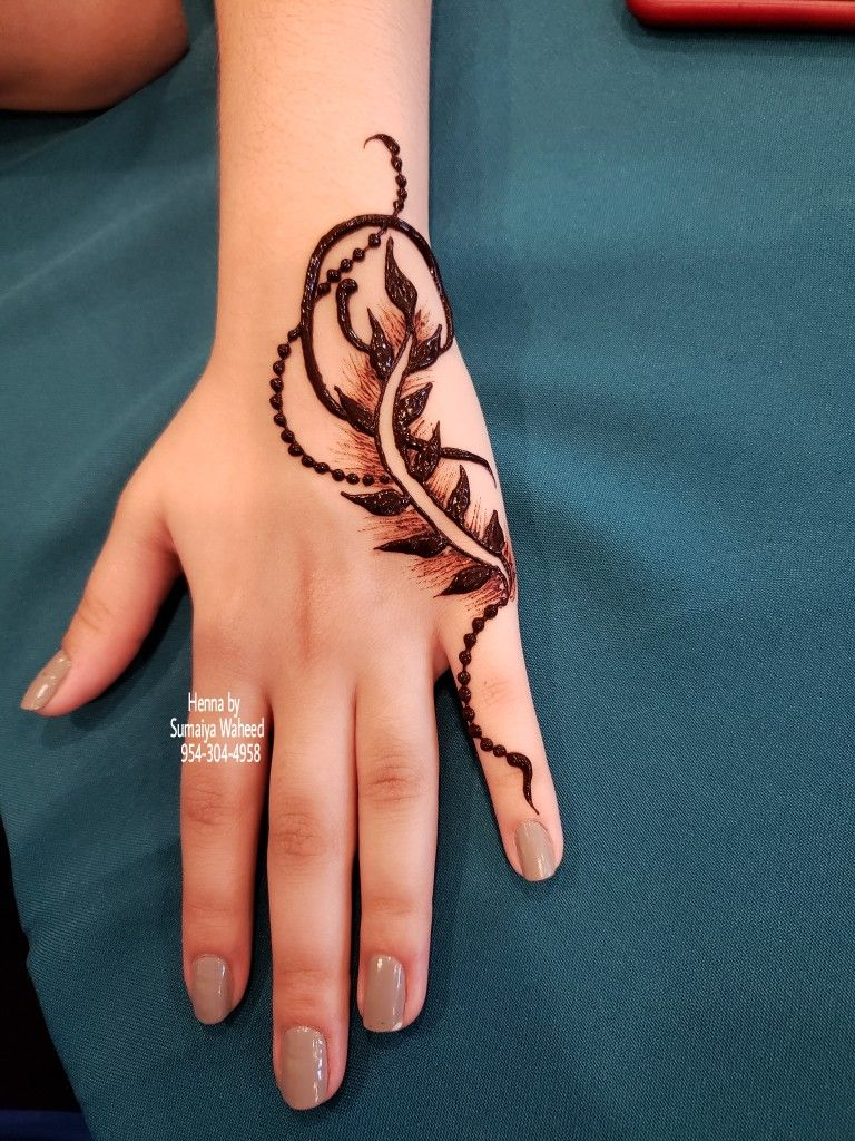 Pin By Sumaiya Waheed On Beautiful Small Henna Tattoo Mehndi Design Small Henna Tattoos Hand Henna Mehndi Designs