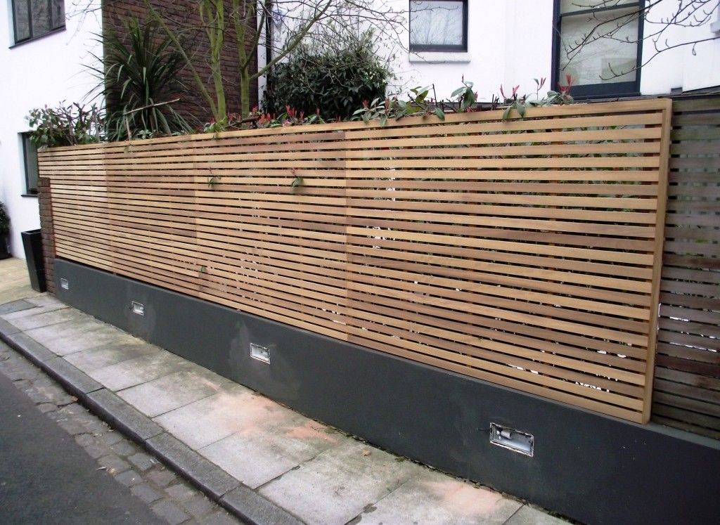 Contemporary Trellis Ideas Part - 31: The Garden Trellis Company - Contemporary Slated Panels On Top Of Brick Wall