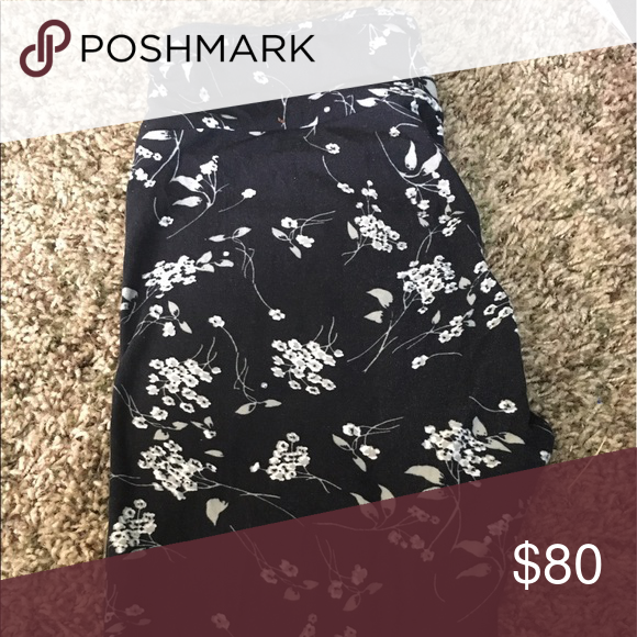 Os lularoe leggings Os lularoe leggings. Super pretty! Black with flowers LuLaRoe Pants Leggings