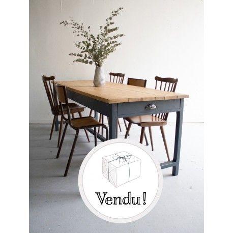 table de ferme 6 8 personnes table table de ferme. Black Bedroom Furniture Sets. Home Design Ideas