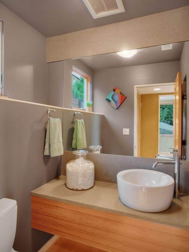 Bad Streichen U2013 Ist Spezielle Farbe Im Badezimmer Notwendig? #fliesen  #wandfarbe #grün
