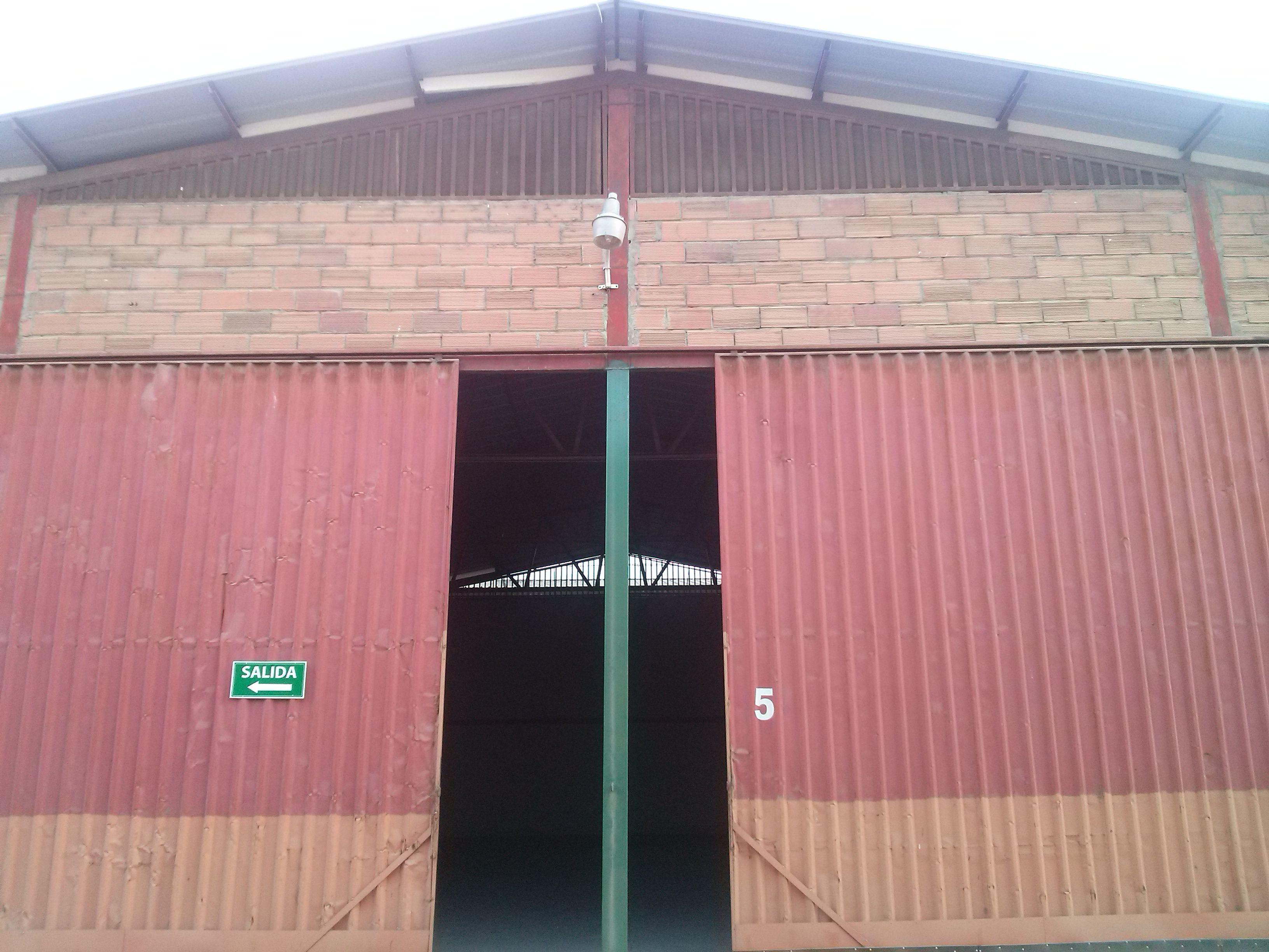 Se venden 6092m2 de bodegas – Vía a Daule – Guayaquil – ALFA Bienes Raíces - http://goo.gl/cKIfWV?utm_content=buffer81b4a&utm_medium=social&utm_source=pinterest.com&utm_campaign=buffer El Universo