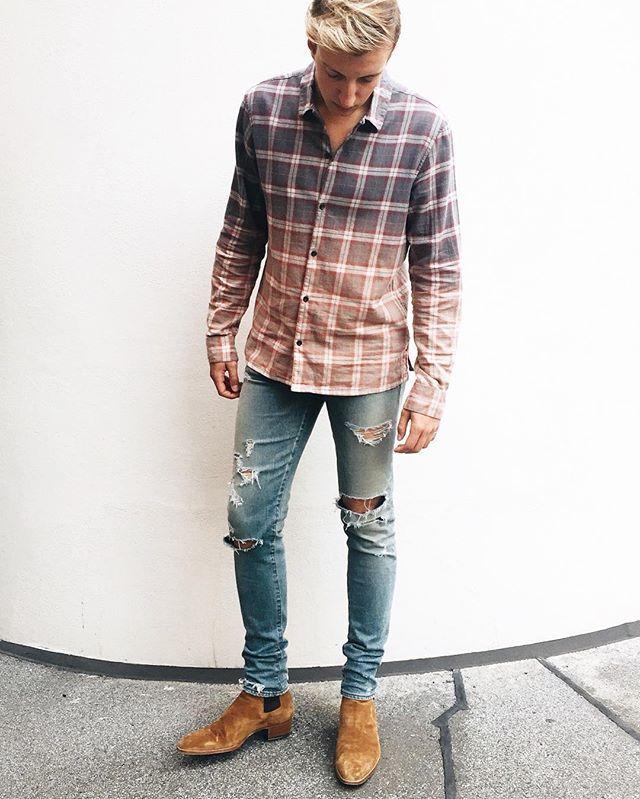 c8653f40c1 SAINT LAURENT MENS   AllSaints - PREACHER STYLES Chelsea Boots Outfit