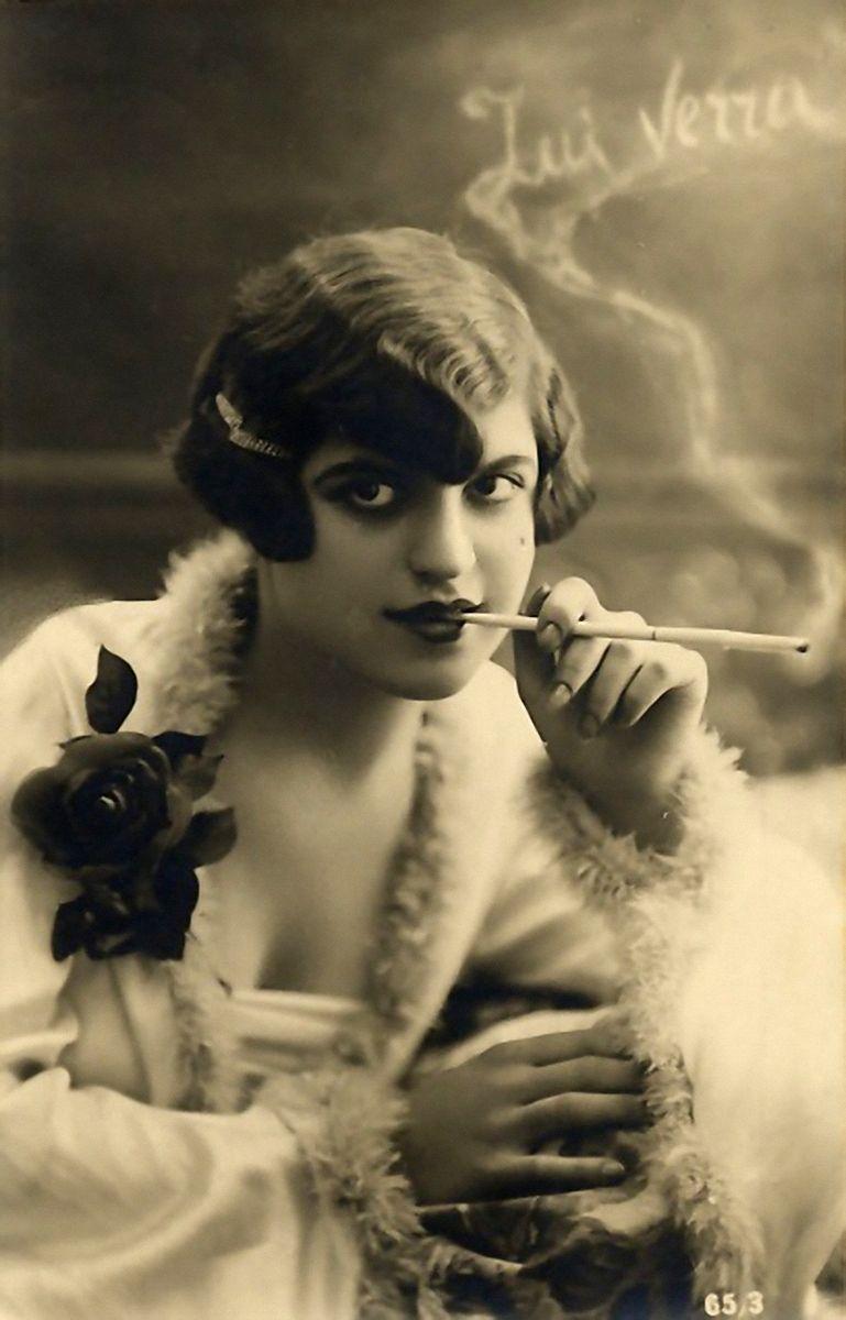 flapper with cigarette holder