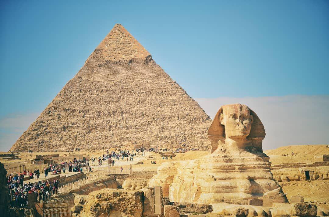 La Gran Piramide De Guiza Tambien Conocida Como Piramide De Keops Es La Mas Antigua De Las Siete Maravillas D Guiza Gran Piramide De Guiza Piramide De Keops