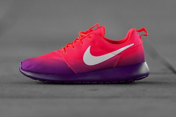 Nike WMNS Roshe Run Print Laser Crimson/White-Bright Grape: The awesome  women's colorways of the Nike Roshe Run continue to be churned out as NSW  presents a ...