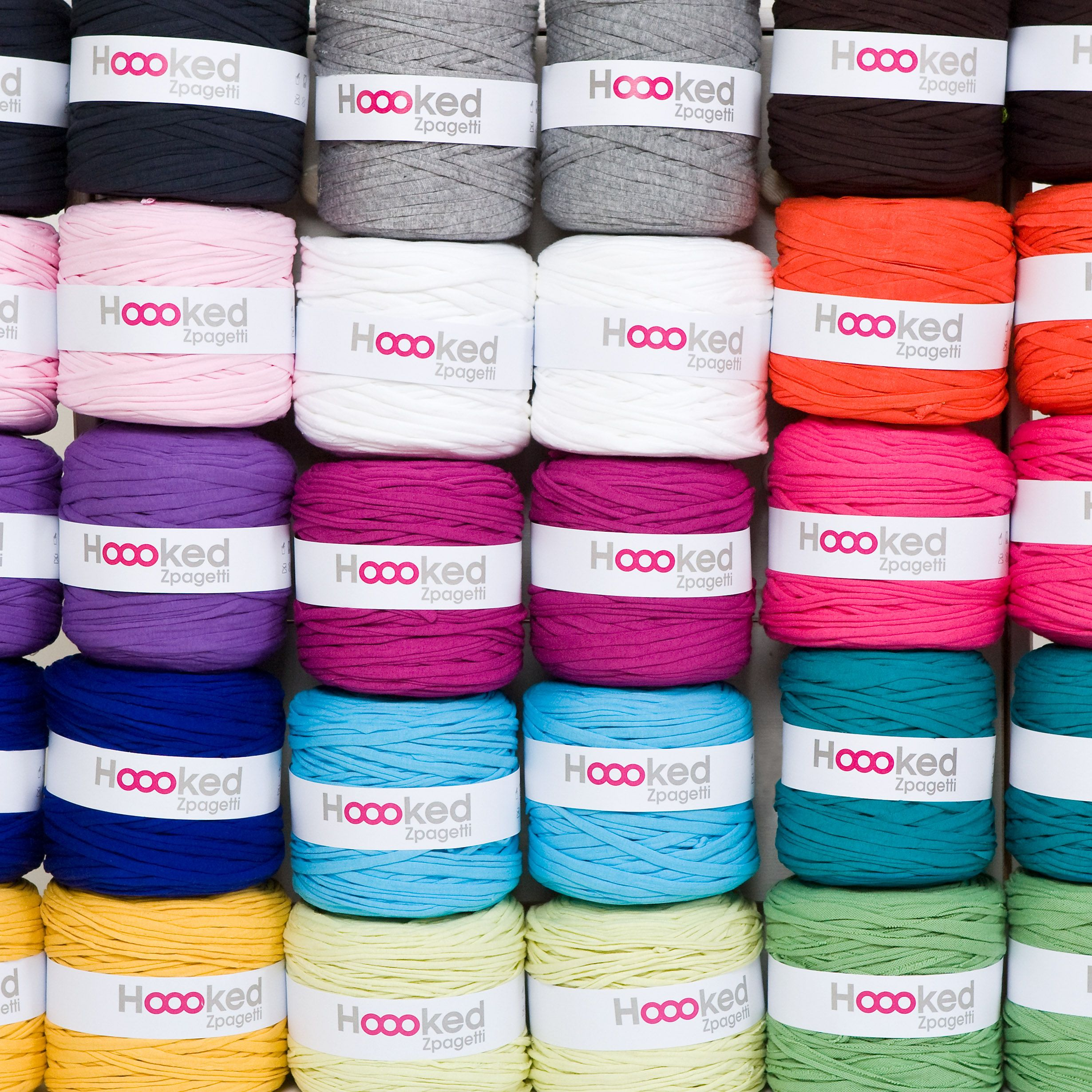 Our Colorfull Hoooked Zpagetti Yarns Available In Our Webshop Hoooked Zpagetti Hoooked Tuto Sac Crochet