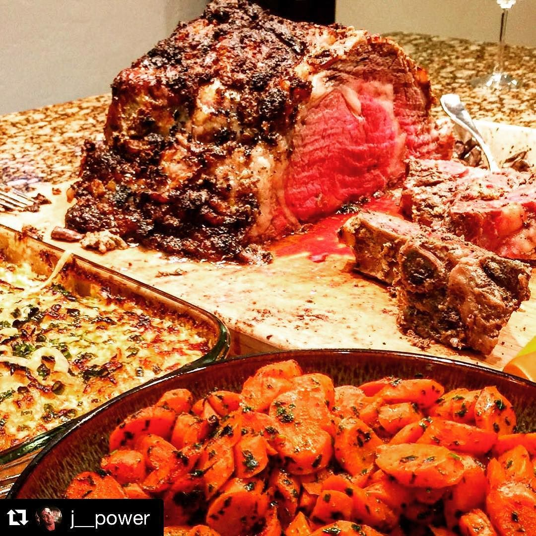Beeeeeeeeefffffff! Nicel work Pitmaster! #Repost @j__power with @repostapp.  A proper meal for ringing in the New Year! #icook #damngood #thatsonlyhalf #17lbs #goodpeoplegoodtimes #comegetyasome #bbq #barbecue #primerib #beef #pitmaster by ilovegrillingmeat_ #haxenhaus #people #food
