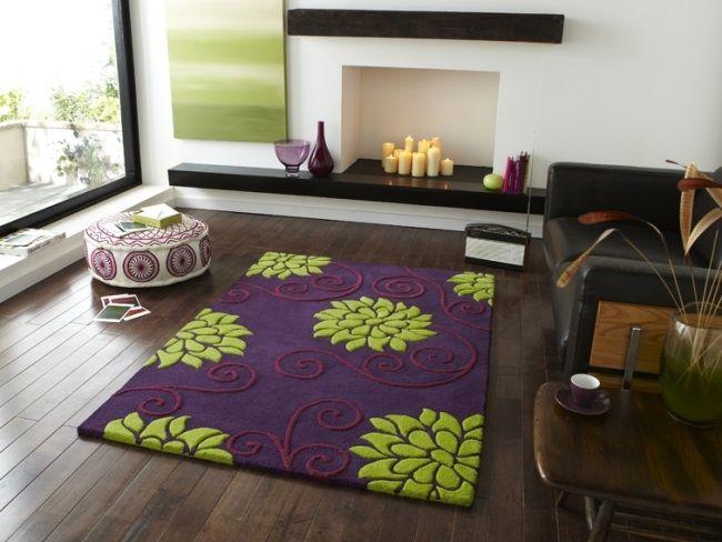 teppich blumenmuster lila grün modernes wohnzimmer dielenboden