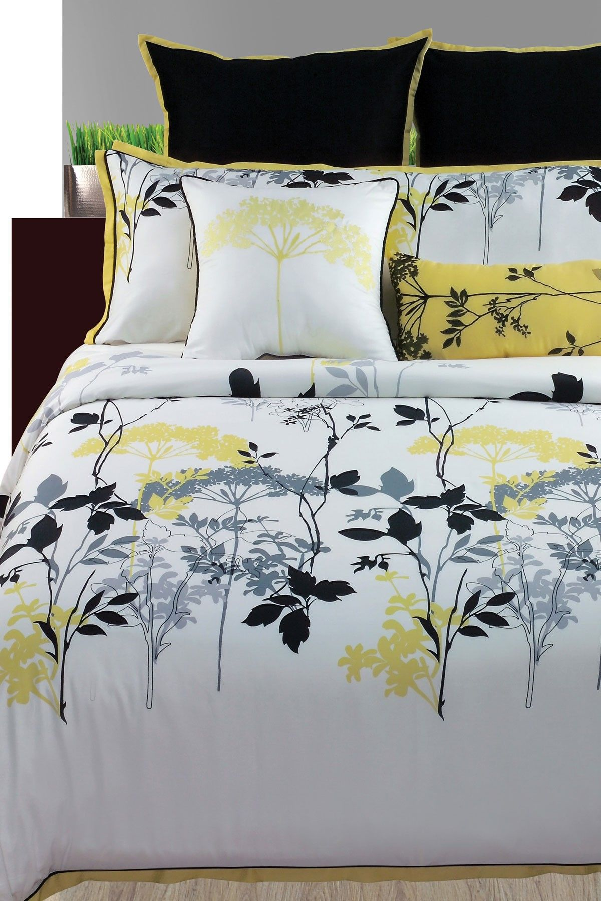 Angelo Home Gramercy Park 4 Piece Queen Comforter Set