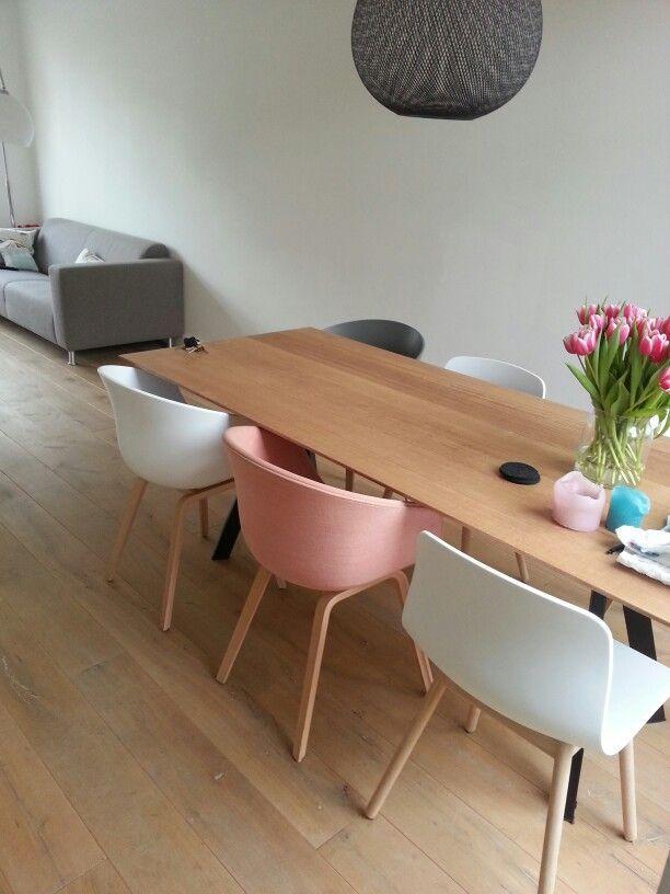 tafel  stoelen hay  Inspiration  Pastel interieur