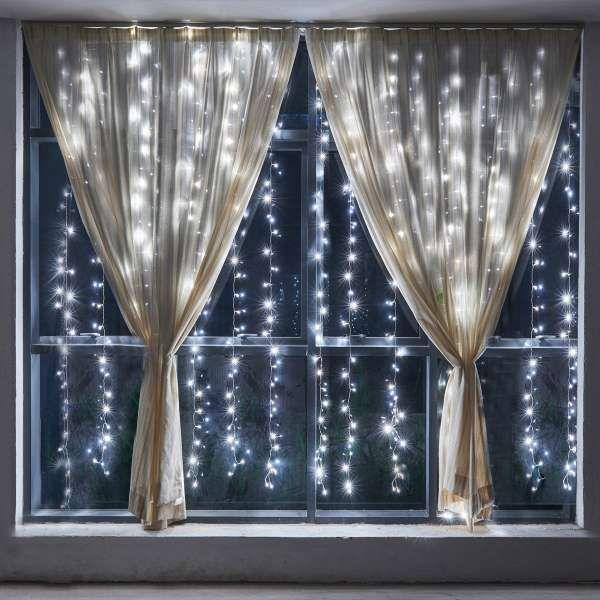 15 d corations de fen tres originales pour no l noel pinterest rideau lumineux d coration for Rideau lumineux interieur