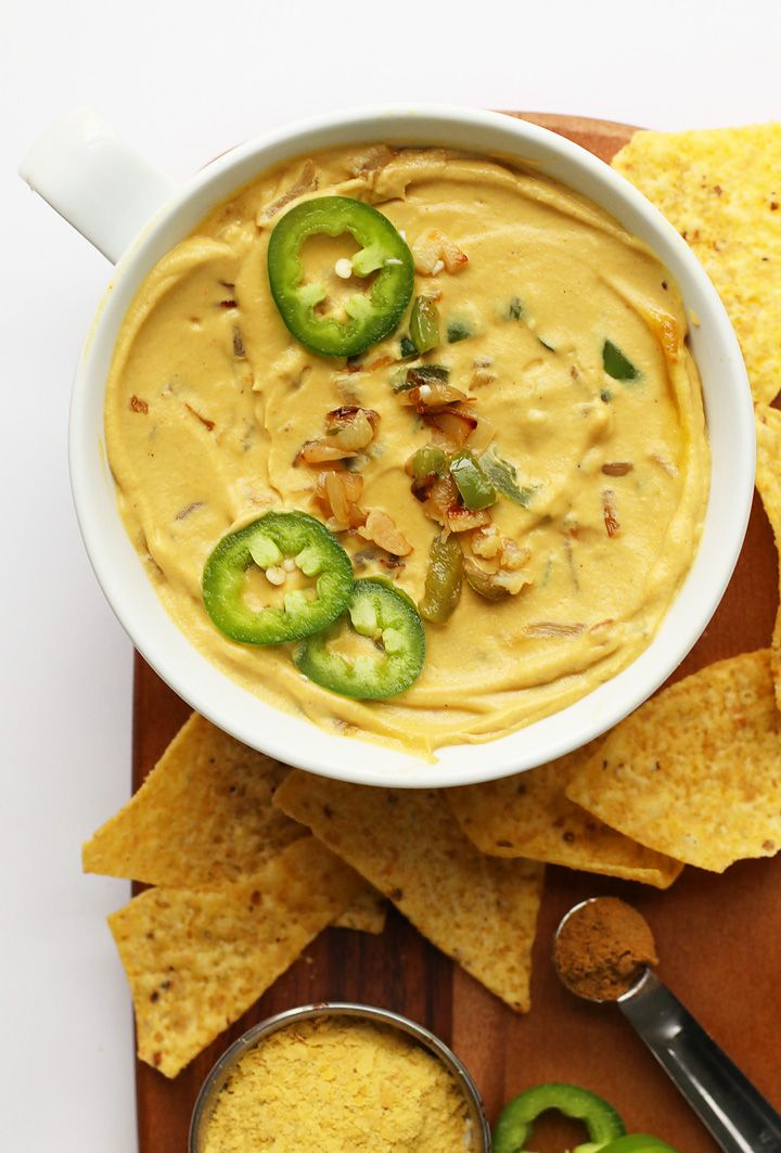 A Delicious Vegan Cauliflower Queso Dip Made With Sauteed Cauliflower Raw Cashews And Nutritional Yea Vegan Cauliflower Vegan Cauliflower Recipes Vegan Queso