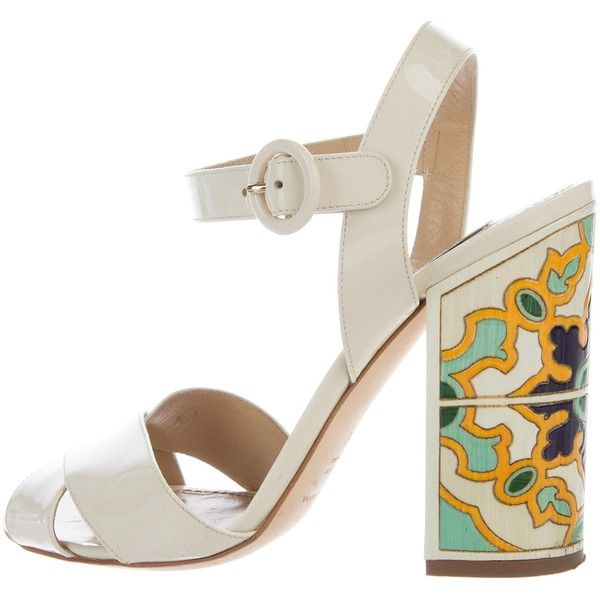 Pre-owned - Patent leather sandals Dolce & Gabbana 6H2ENf