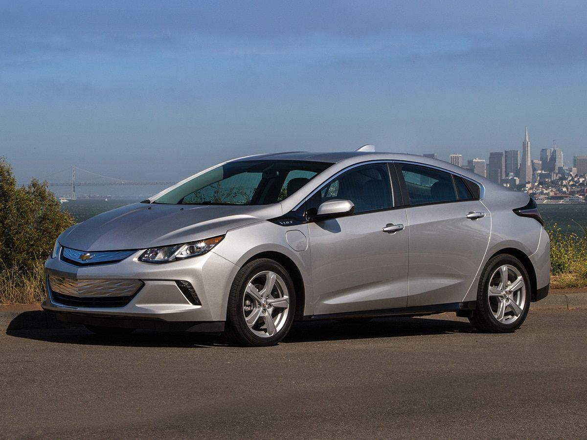 Last Call 10 Vehicles Calling It Quits In 2019 2019 Chevrolet Volt Chevy Volt Hybrid Car