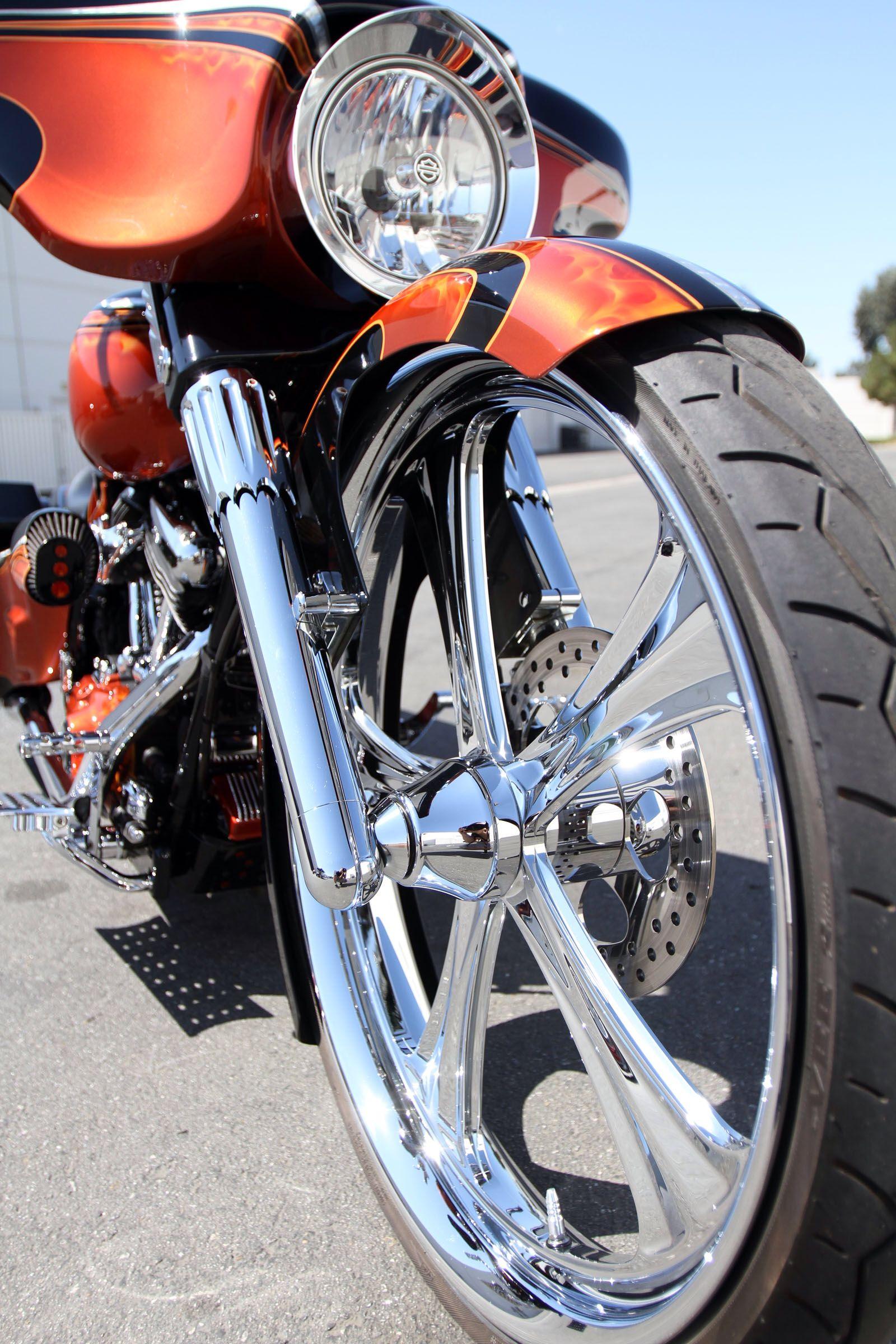 """flhx Bagger streetglide Harley 26"""" Bigwheelsonbikes"""