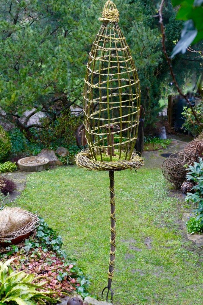Gartendeko Aus Weidengeflecht, rankobjekt aus weide auf heugabel | gardens, Design ideen