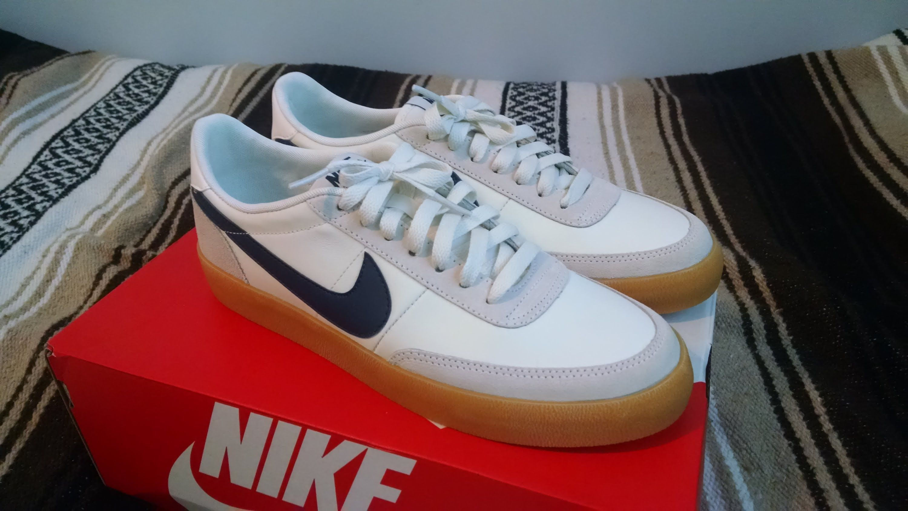 d0452e9844c7 Image result for white sneakers with gum soles