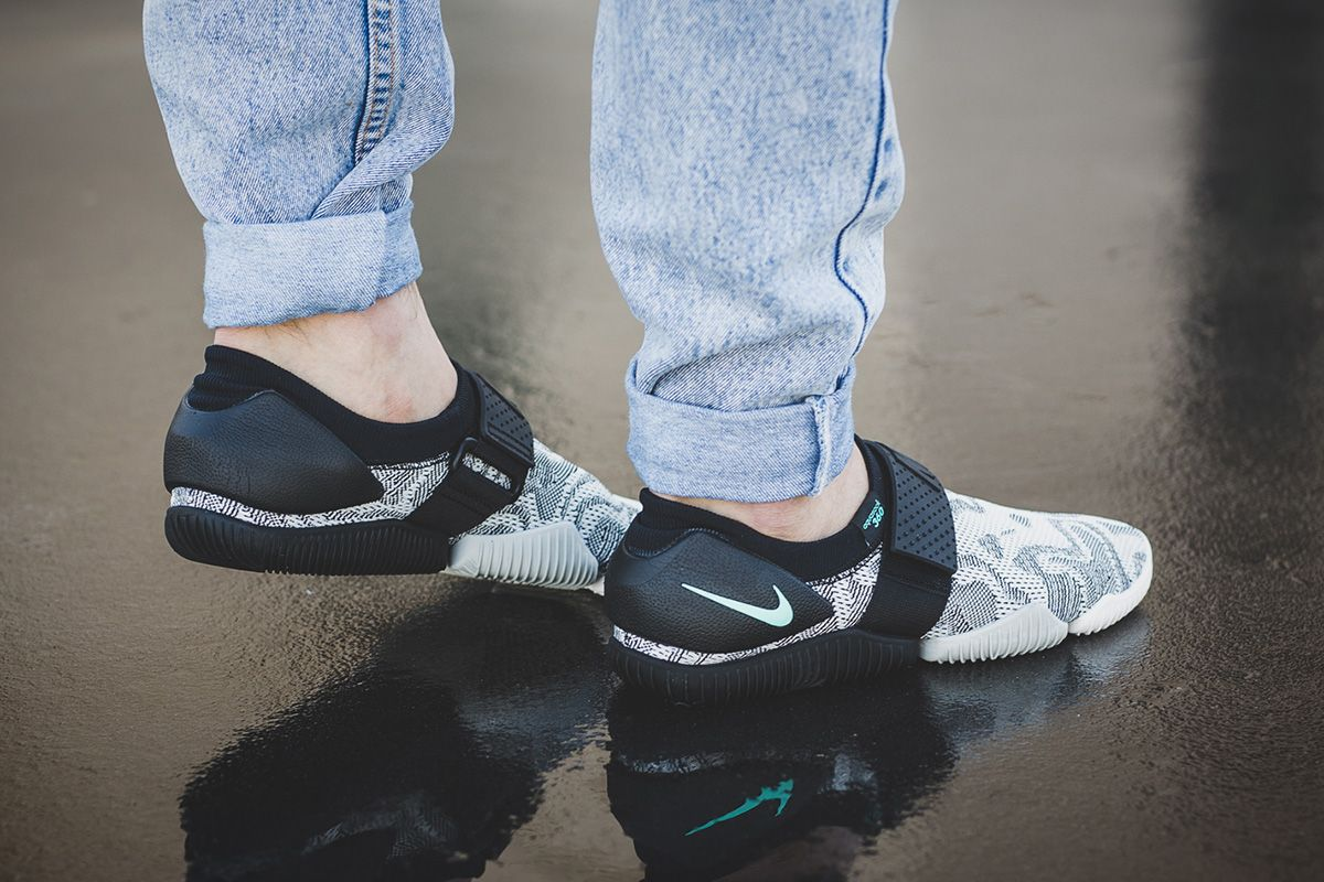 On-Foot  NikeLab Aqua Sock 360 QS