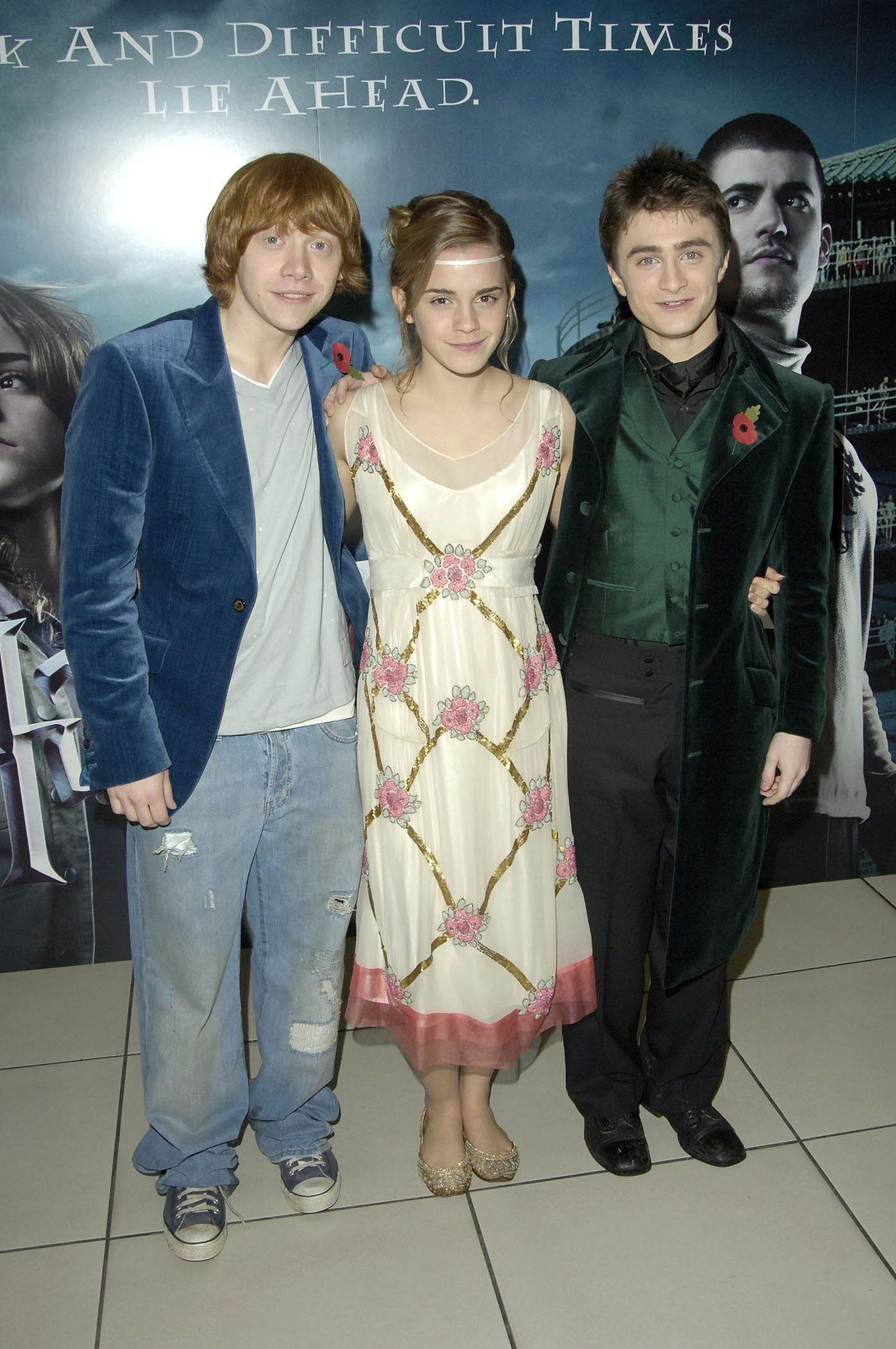 Harry Potter And The Goblet Of Fire Premiere 2005 Harry Potter Scene Harry Potter Goblet Daniel Radcliffe Harry Potter
