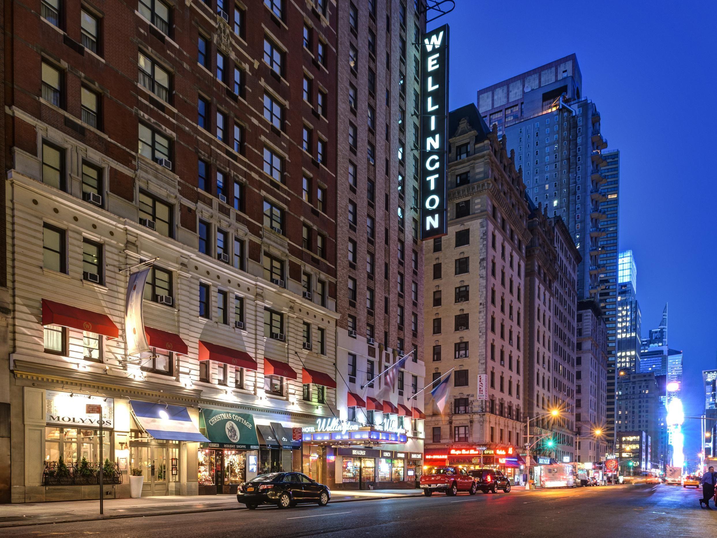 New York (NY) Wellington Hotel United States, North
