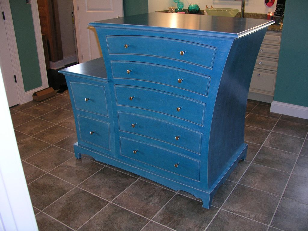 Custom bathroom island – dust furniture*