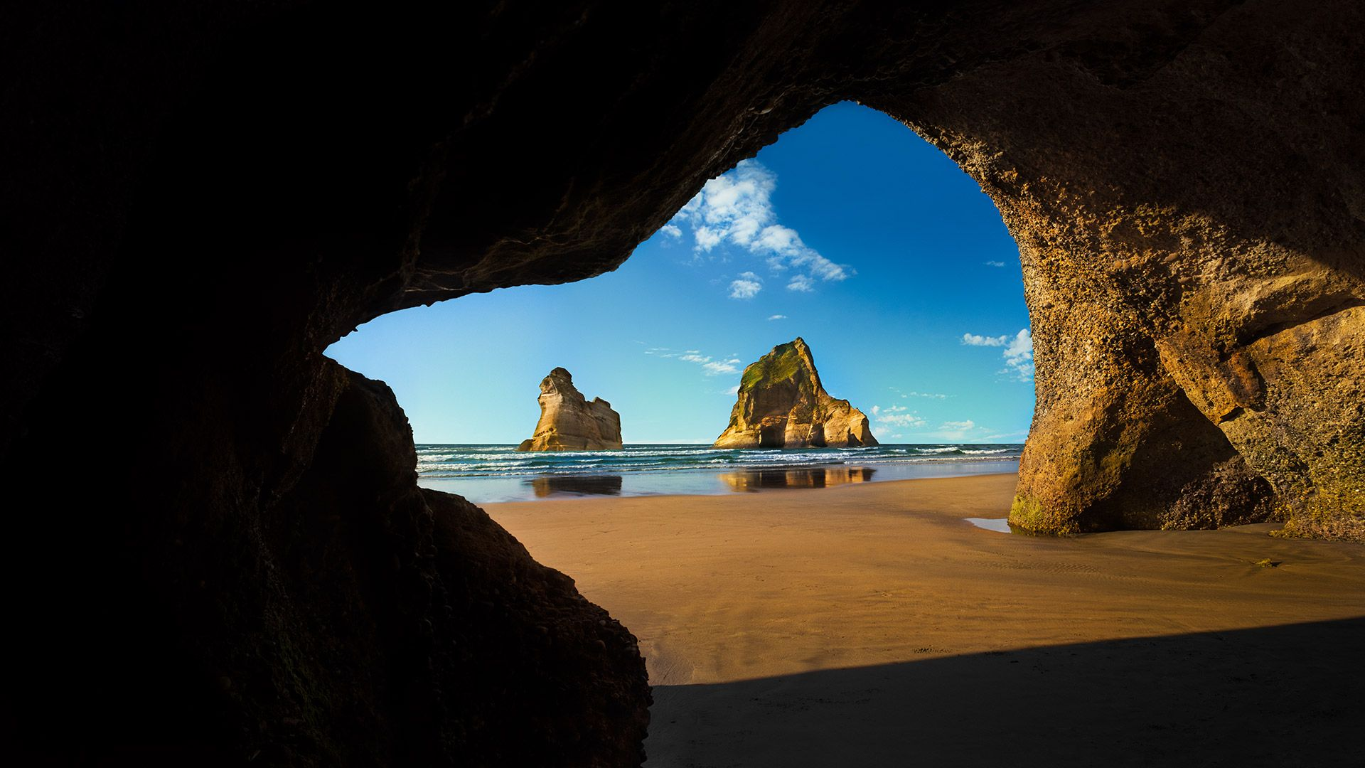 Wharariki Beach Cave Archway Islands South Island Of New Zealand Desktop Wallpaper 1920x1080 Lock Screen Photo Desktop Wallpaper 1920x1080 Windows 10