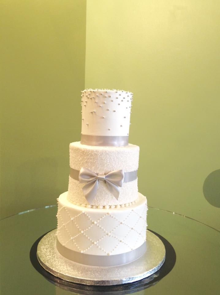 Gray wedding cake! The bride\'s last name was gray and this cake ...